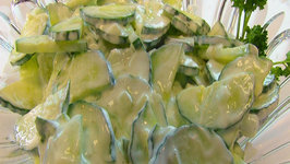 Betty's Creamy Cucumber Salad
