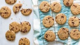 Vegan Chocolate Chip Cookies - Easy Vegan Recipes