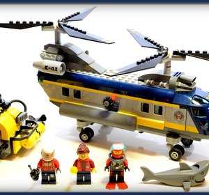 Lego City Deep Sea Explorers Deep Sea Helicopter with Submarine 60093 Stop Motion Review Video by Alexsplanet | fawesome.tv