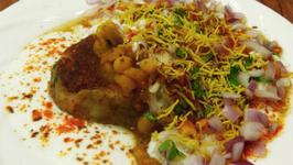 Ragda Pattice - Aloo Tikki Chat Recipe - Indian Street Food