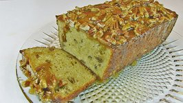 Betty's Fresh Apple Bread with Praline Topping