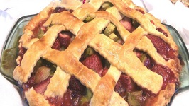 Homemade Fresh Strawberry Rhubarb Pie