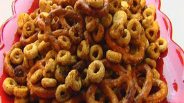 Betty's Nuts And Bolts Snack Mix- Christmas
