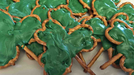 Shamrock Pretzel Treats  St. Patricks Day