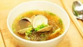 The Perfect Clam Soup with Glass Noodles Recipe for Dorm Students  Cooked in a Microwave