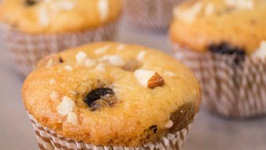 Pressure Cooker Dry Fruits Muffins Recipe - Eggless Baking without Oven