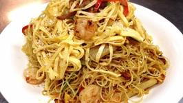 Stir Fry Singapore Noodles With Shrimps And BBQ Porks