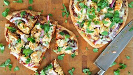 Dinner Recipe: BBQ Chicken Naan Pizza