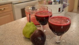 How to Make Beet & Pear Juice