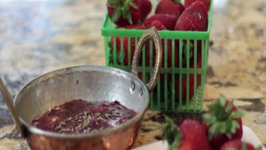 Sweet and Spicy Strawberry Chutney
