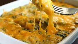 Easy and Cheesy Quinoa and Broccoli Casserole