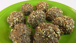 Betty's Sweet Potato Balls -- Christmas