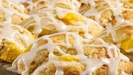 Mango Doughnut Muffins