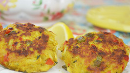 Curry Crab Cakes with Basil, Capers and Red Bell Pepper