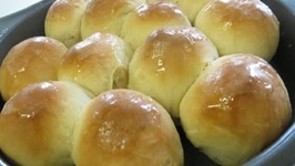 Quick and Easy Dinner Rolls