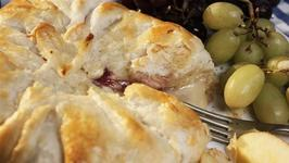 How To Make Parcelled Camembert And Cranberry