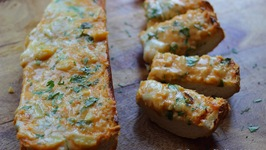 Creamy Cheesy Garlic Bread