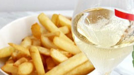 How to Pair Snacks with Champagne