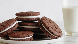 Homemade Oreo Cookies - Snack Recipes