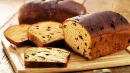 Whole Wheat Bread with Cashews and Dates