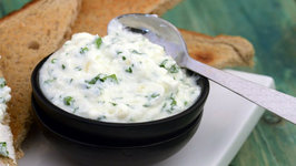 Parsley Yoghurt Spread (Butter Substitute)