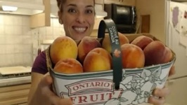 Ontario Freestone Peaches at Harvest Barn Country Markets: What I Say About Food