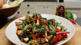 How to make Asian Chicken Stir fry with Sweet Basil and Cashew Nuts