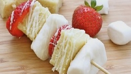 How to Make Dessert Kabobs! (Strawberry Shortcake Skewers Recipe)
