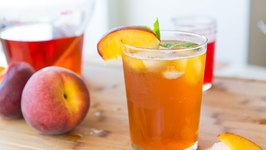 Homemade Sparkling Peach Iced Tea - Nonalcholic Drink Miniseries
