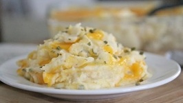 Baked Sour Cream, Cheddar and Chive Mashed Potatoes