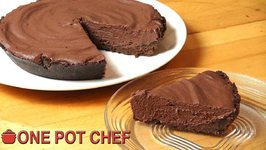Ultimate No Bake Chocolate Pie