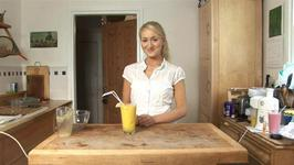 How To Make A Mango, Lime and Pineapple Smoothie Deliciously