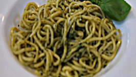 How to Make Homemade Spaghetti with Fresh Pesto