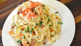 Cameren's Crab and Bacon Fettuccine Alfredo