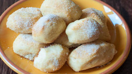Cinnamon and Sugar Pretzel Bites