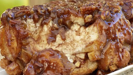Apple Cinnamon Caramel Monkey Bread