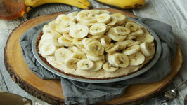 Peanut Butter Yogurt Pie with Bananas and Honey