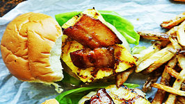 Grilled Turkey Burger with Pineapple