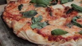 Tomato & Mozzarella Pizza on the BBQ