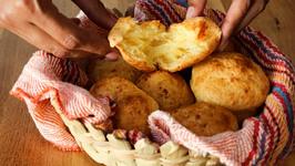How To Make Pão De Queijo - Brazilian Cheese Bread