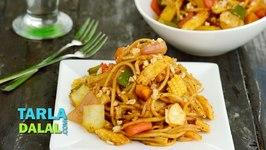 Spicy Stir Fry Noodles in Schezwan Sauce