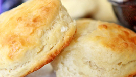 Fluffy Southern Buttermilk Biscuits Recipe