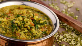 Moong Dal with Spinach (Iron Rich Recipe)