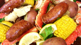 Seafood Boil! Crab, Sausage, Shrimp & Potatoes Oh My!