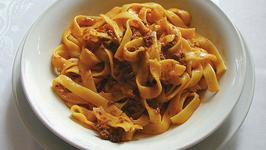 Toby Anstis' Spaghetti Bolognese