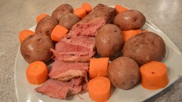 How To Cook Corned Beef With Boiled Potatoes And Carrots
