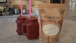 How to Make Tiger Nut And Berry Smoothies