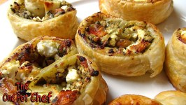 5 Ingredient Pesto Pastry Scrolls