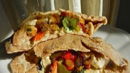 Lemon Lime Chicken Pita With Middle Eastern Hummus