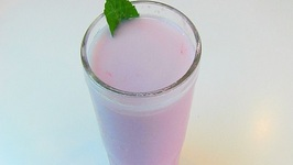 Betty's Fresh Strawberry Milk